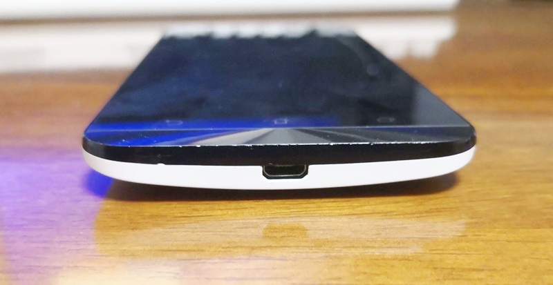 AndroidのUSB Micro-Bジャック