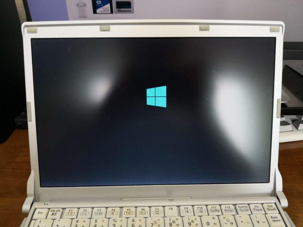 レッツノートにWindows10をクリーンインストールしている様子