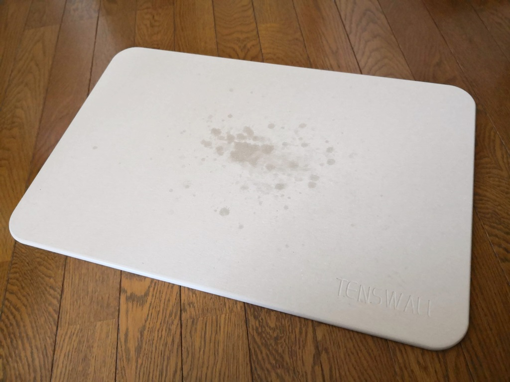 濡れた珪藻土マット