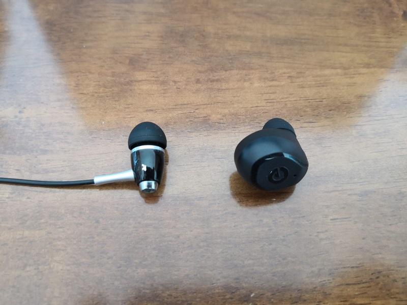 有線と無線のイヤホンの比較
