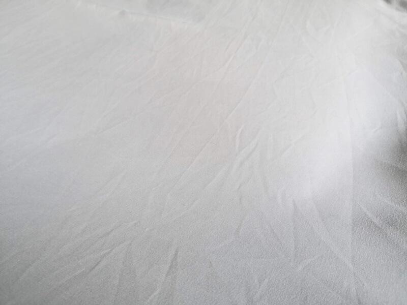 敷き布団のグレーのカバー