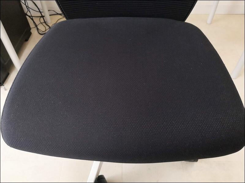 使っている椅子の座面